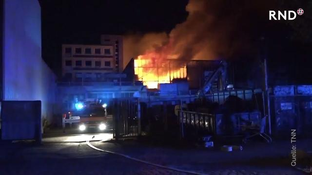 Brand in Hamburger Lagerhalle