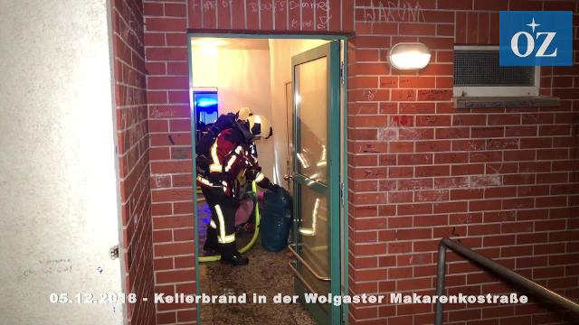 Feuer in der Makarenkostraße in Wolgast / Video: Wallrodt