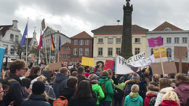 Fridays for Future demonstriert im März 2019 in Eutin