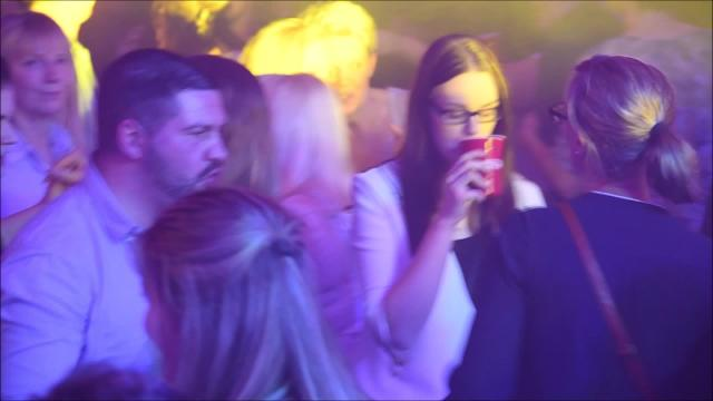 Putbus: 700 Partygänger bei Daddy-Cool im Marstall (Video: Uwe Driest, 1.2.2020)